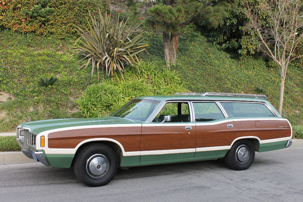 1971 ford woodie wagon the vault classic cars. Black Bedroom Furniture Sets. Home Design Ideas