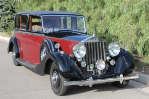1939 Rolls-Royce Wraith Landaulet by H.J. Mulliner.  Listed in Dalton's Coachbuilt Rolls Royce book. Lovely condition, wonderful in operation!  Photos momentarily.
